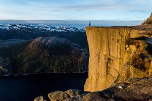 De Preekstoel (Preikestolen) in Noorwegen beklimmen